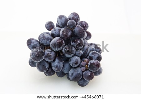 Grapes isolated picture