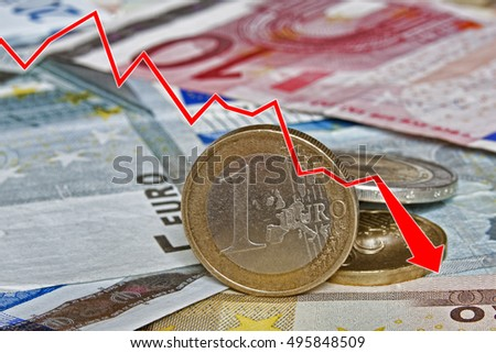 Graph showing the decline of the Euro paper currency and coins