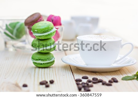Green French Makarons
