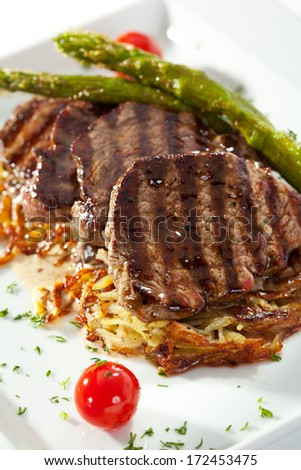 Grilled Beef with Potato and Mushrooms