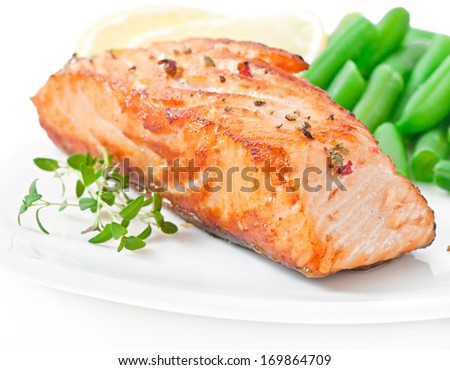 Grilled salmon and green beans