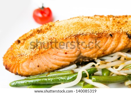 Grilled Salmon with fresh green beans