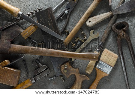 Gritty hand tools and other bits of grungy hardware