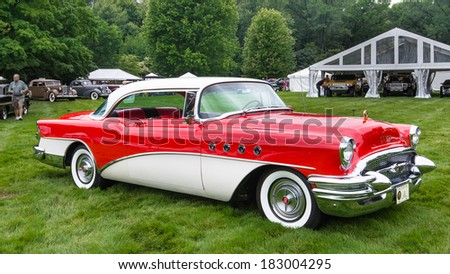 GROSSE POINTE SHORES, MI/USA - JUNE 16, 2013: A 1955 Buick Roadmaster at the EyesOn Design car show, held at the Edsel and Eleanor Ford House.
