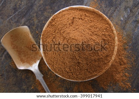 ground cinamon spice in dish