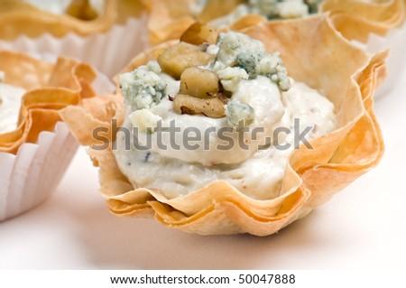 Vol au vent stockfoto 39 s rechtenvrije afbeeldingen en for Pastry canape fillings