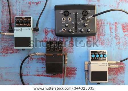 Guitar pedals and audio card for recording