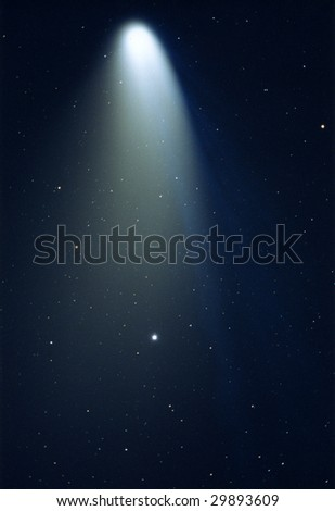 Hale-bopp Comet through a 700mm lens