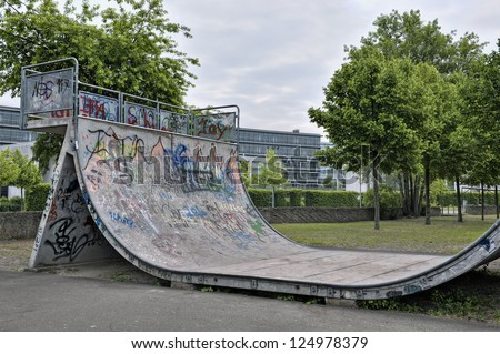 Half pipe ramp at skatepark in BÃ?rgerpark, SaarbrÃ?cken, Saarland, Germany, Europe - stock photo