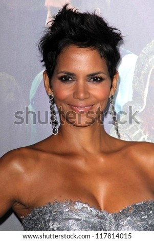 """Halle Berry at the """"Cloud Atlas"""" Los Angeles Premiere, Chinese Theatre, Hollywood, CA 10-24-12 - stock photo"""