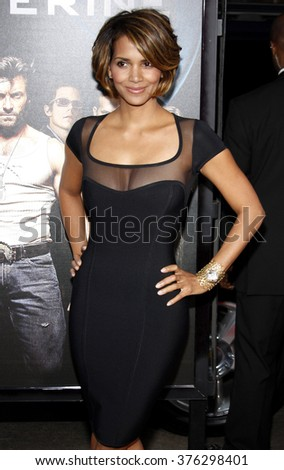 """Halle Berry at the Los Angeles Premiere of """"X-Men Origins: Wolverine"""" held at the Grauman's Chinese Theatre in Hollywood, California, United States on April 28, 2009.   - stock photo"""