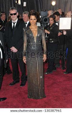 Halle Berry at the 85th Academy Awards at the Dolby Theatre, Hollywood. February 24, 2013  Los Angeles, CA Picture: Paul Smith - stock photo