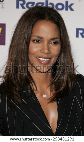 Halle Berry at the 9th Annual Hollywood Film Festival Awards Gala Ceremony held at the Beverly Hilton Hotel in Beverly Hills, California United States on October 24, 2005. - stock photo