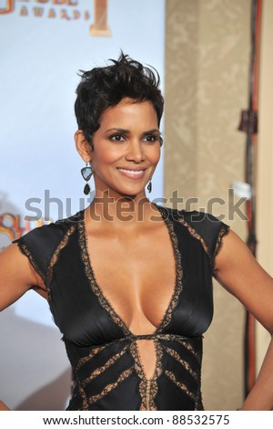 Halle Berry at the 67th Golden Globe Awards at the Beverly Hilton Hotel. January 17, 2010  Beverly Hills, CA Picture: Paul Smith / Featureflash - stock photo