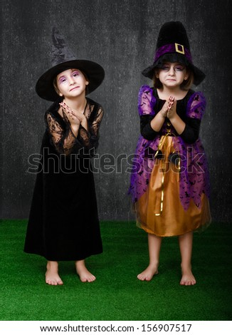 halloween costumes on two girls