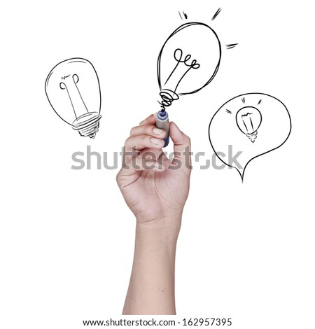 Hand drawing the light bulb