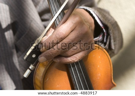 hand of old fiddle