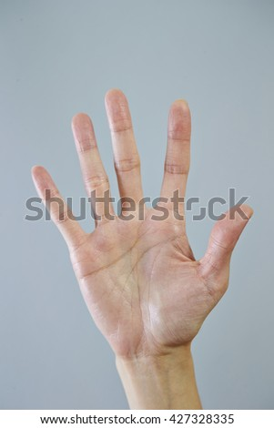 Hand sign, 5