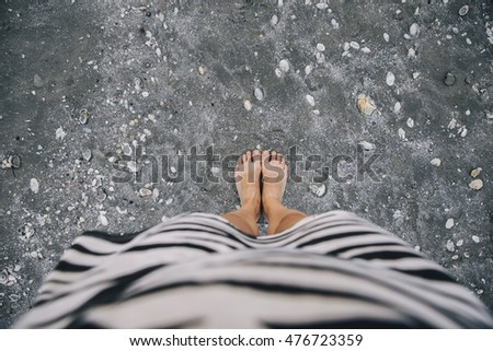 happy feet at the sea