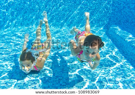 Girl Swimming Underwater Stock Photos Images Pictures Shutterstock