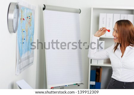 Throwing Darts Stock Images RoyaltyFree Images Vectors - Throw a dart at a map of the us