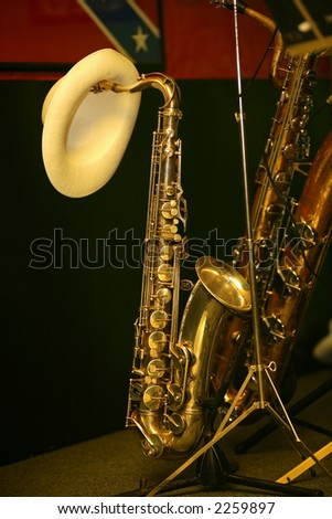 hat on a sax during interval