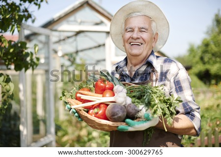 He know what to do to have fresh vegetables