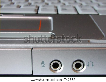 headphone and microphone jack on laptop computer