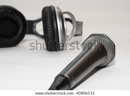 Headphones and microphone