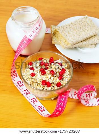 Omelet With Chobani Honey Yogurt, Pomegranate Arils And Blackberries ...