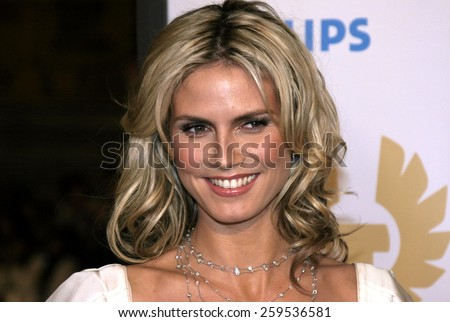 """Heidi Klum at the """"Ocean's Twelve"""" Los Angeles Premiere held at the Grauman's Chinese Theater in Los Angeles, California, United States on December 8, 2004. - stock photo"""