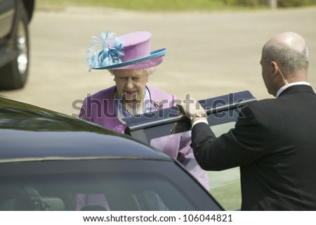Her Majesty Queen Elizabeth II entering Presidential Limousine in Williamsburg Virginia, as part of the 400th anniversary of the English Settlement of Jamestown, Virginia, May 4, 2007 - stock photo