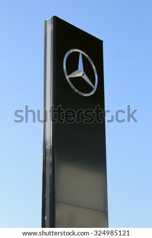 Pylon sign stock images royalty free images vectors for Mercedes benz sign in