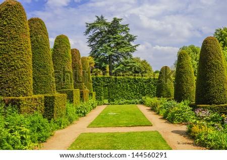 hidcote manor gardens in the english cotswolds, gloucestershire, midlands, england, uk - stock photo