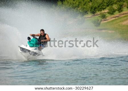 High speed jet-ski with water spray