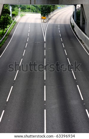 highway and no car moving at day