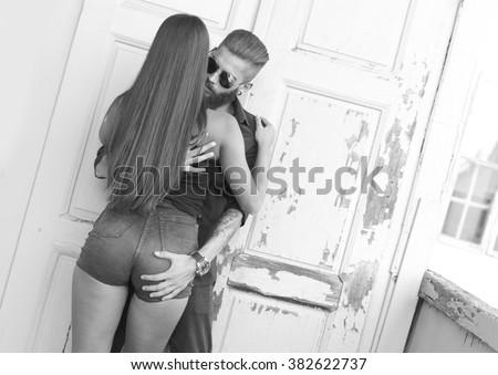 Girl grabing on ass — photo 6
