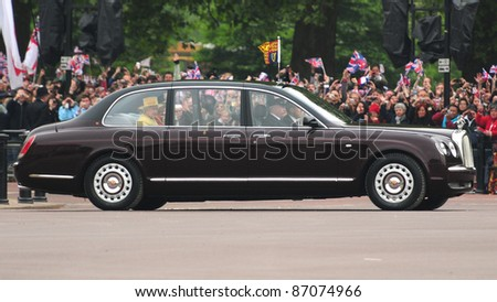 HM Queen Elizabeth II, as she travels to Westminster Abbey, to witness grandson Prince William marry Catherine Middleton, on 29/04/2011. Picture by: Simon Burchell / Featureflash - stock photo