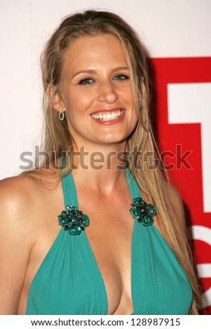 Samantha smith actress friends