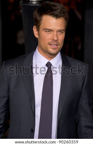 "HOLLYWOOD, CA - DECEMBER 5: Actor Josh Duhamel arrives at the premiere of ""New Year's Eve"" at Grauman's Chinese Theater on December 5, 2011 in Hollywood, California"