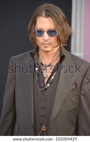 HOLLYWOOD, CA - MAY 7: Actor Johnny Depp arrives at the premiere of the Warner Bros. Pictures' Dark Shadows on May 7, 2012 in Hollywood, California.