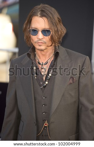 HOLLYWOOD, CA - MAY 7: Actor Johnny Depp arrives at the premiere of the Warner Bros. Pictures Dark Shadows on May 7, 2012 in Hollywood, California.
