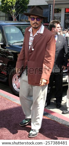 "Hollywood - July 10, 2005 - Johnny Depp at the ""Charlie and the Chocolate Factory"" World Premiere at the Grauman's Chinese Theatre in Hollywood, California."