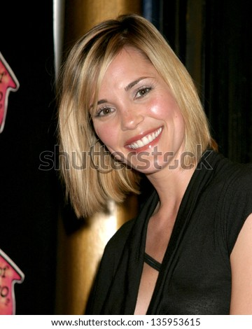 "HOLLYWOOD - MAY 13: Leslie Bibb participates in ""Friends of El Faro Benefit"" Event, Henry Fonda Theater May 13, 2005 in Hollywood, CA."