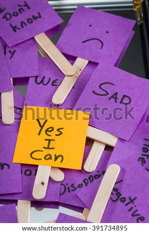 home made sticky notes with hand written messages and a different one saying yes I can - stock photo