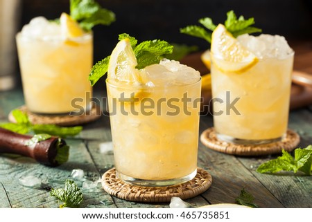 Homemade Boozy Bourbon Whiskey Smash with Lemon and Mint