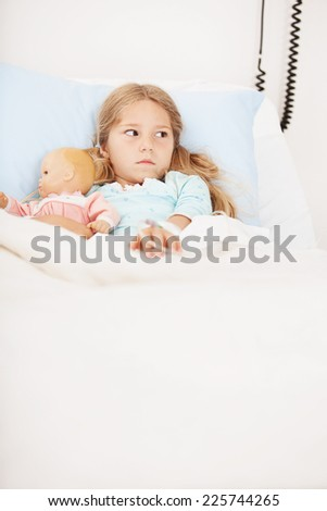 Hospital: Little Girl With Doll Unsure Of Hospital Room