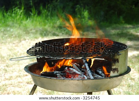 Hot kettle grill ready to barbecue - stock photo