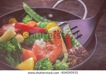 Hot mixed vegetable stire-fried.