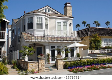 House on ocean front in affluent California beach community